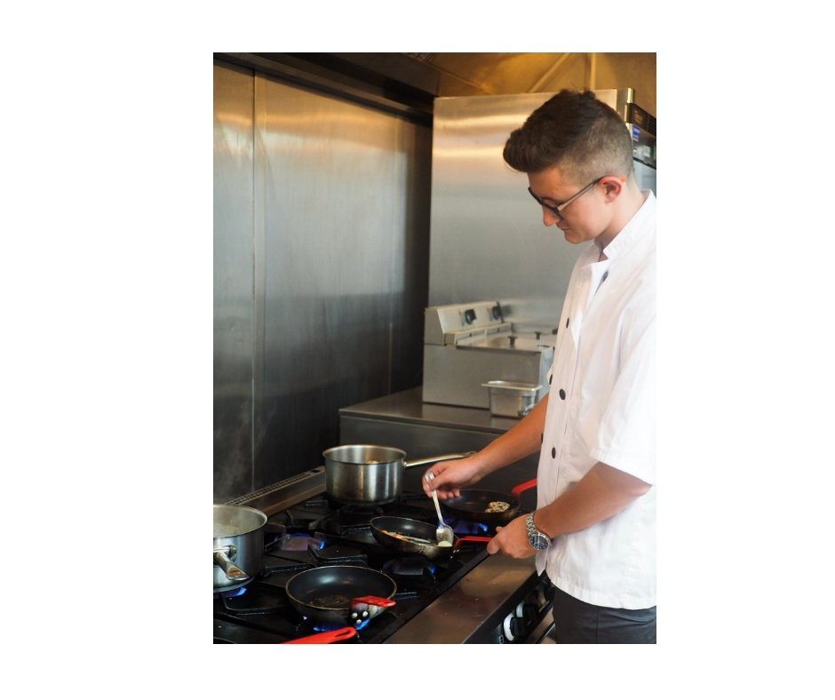 introducing-razvan-our-chef-turned-chef-recruiter-working-in-kitchen